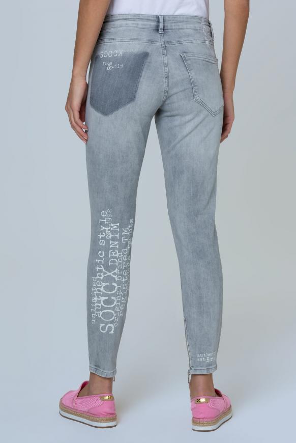 Jeans MI:RA mit Used-Optik und Back Prints