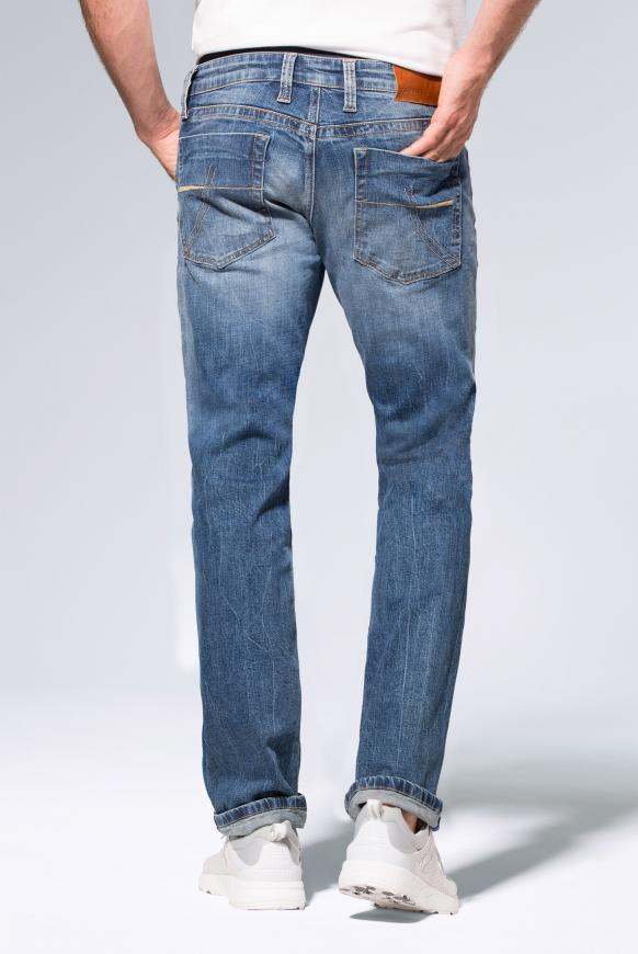 Jeans NI:CO mit Used-Optik und leichtem Boot Cut