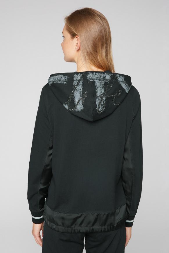 Kapuzenshirt im Materialmix mit Label Prints
