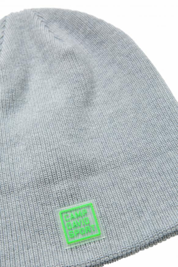 Mütze mit Logostick und Rubber Patch