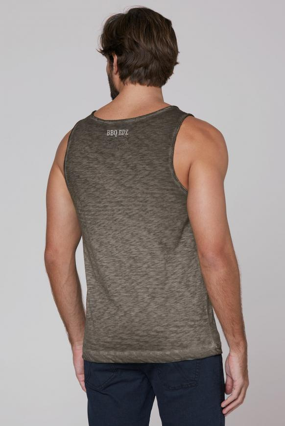 Muskelshirt Oil Dyed mit Used-Optik