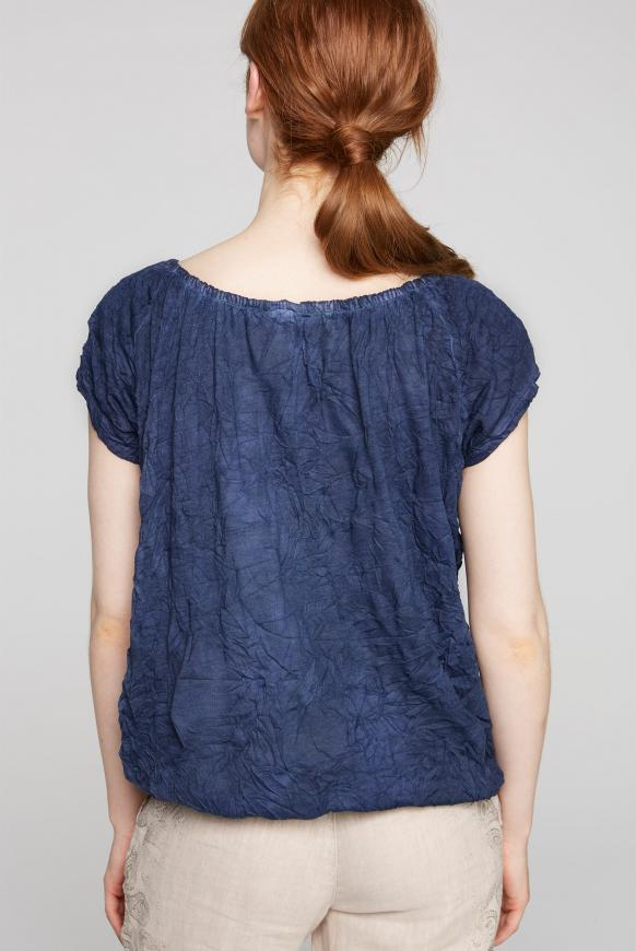 Off-Shoulder-Shirt mit Knitter-Effekt