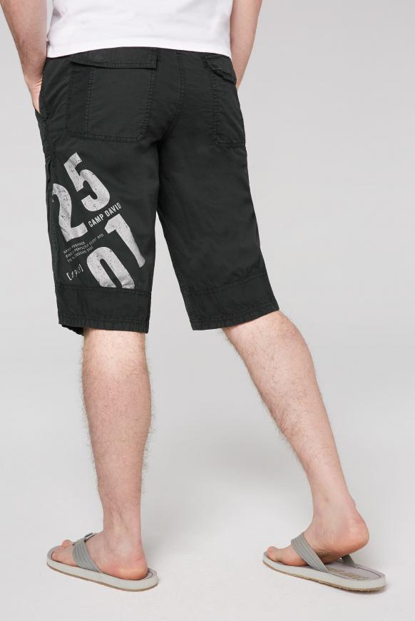 Skater Bermuda mit Label Prints