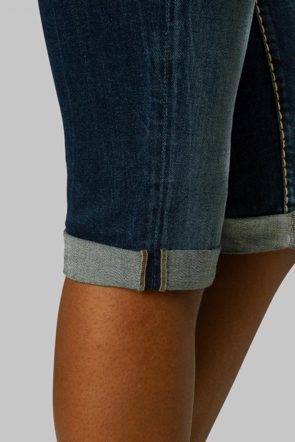 Skater Jeans RO:MY mit Used-Effekten