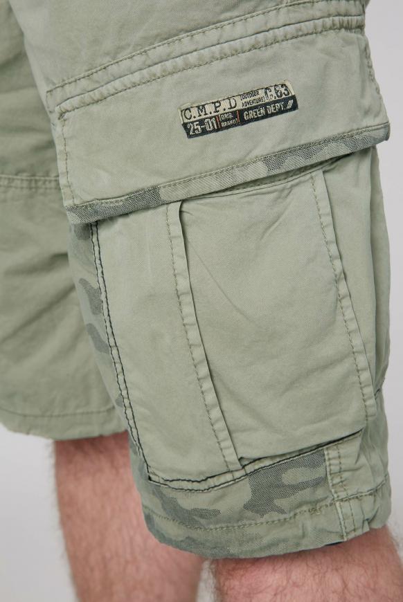 Cargo Shorts mit Print-Details