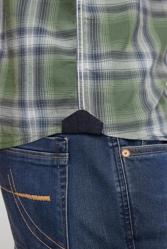Kurzärmliges Karohemd mit Rücken-Artwork