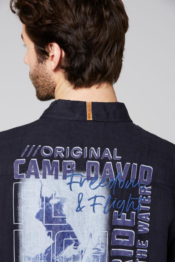 Leinenhemd mit Rücken-Artwork