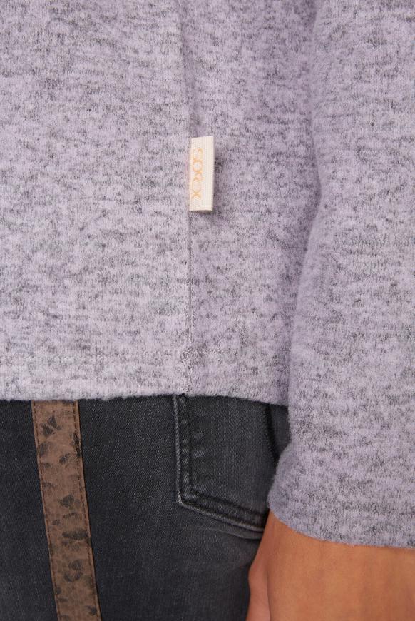 Melierter Pullover mit großem Rollkragen