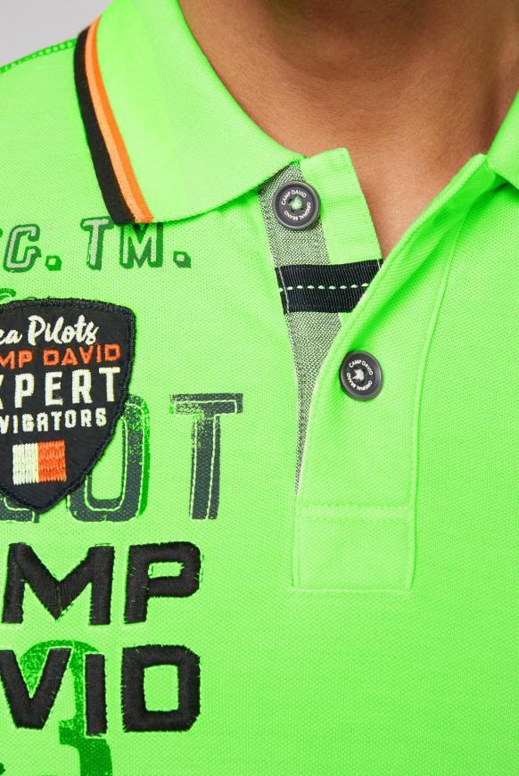 Poloshirt aus Pikee mit vielen Artworks