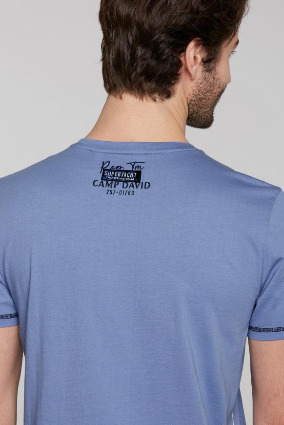 Rundhalsshirt mit Label-Applikationen