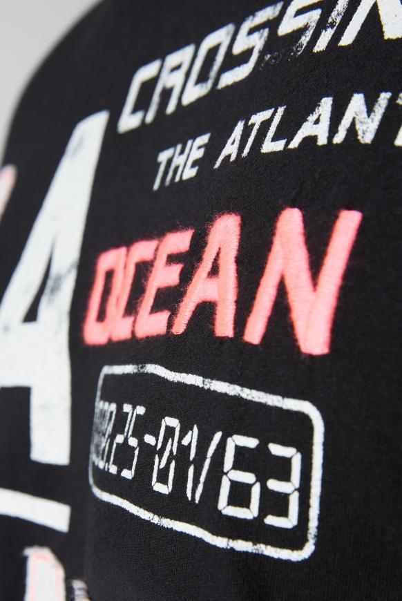 T-Shirt mit Logo-Applikationen