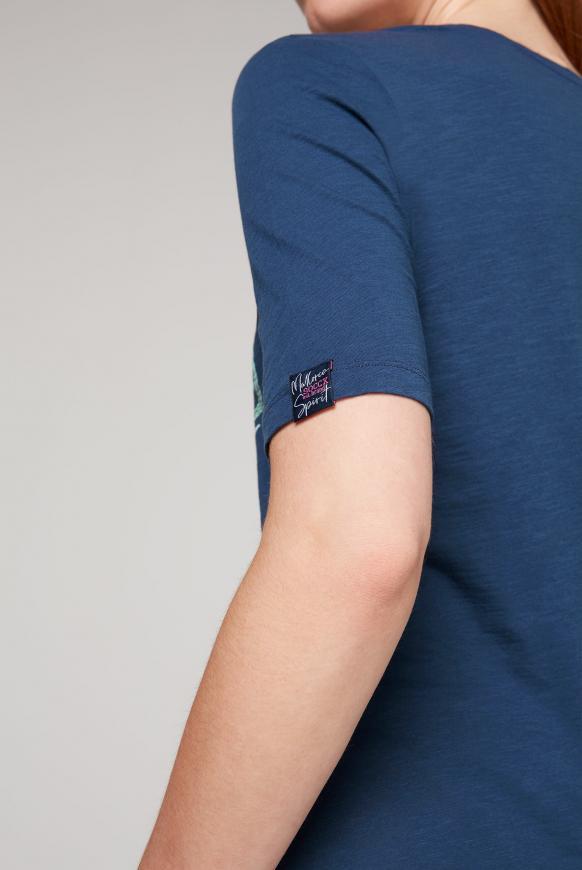 T-Shirt mit V-Ausschnitt und Artwork