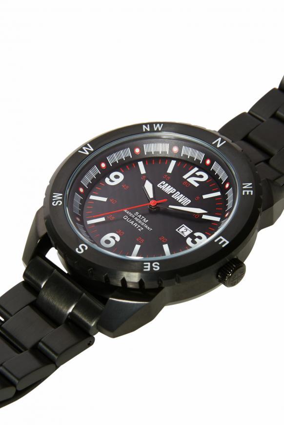 Uhr aus mattem Edelstahl mit Gliederarmband