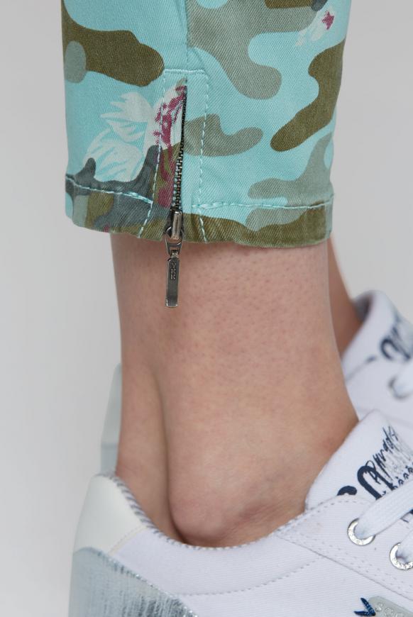 Jeans EL:LA mit Musterprint und 3D-Shape am Knie