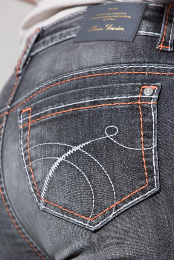 Jeans RO:MY mit Used-Optik und breiten Nähten