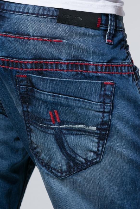 Destroys und gefärbter Innenseite Jeans CO:NO