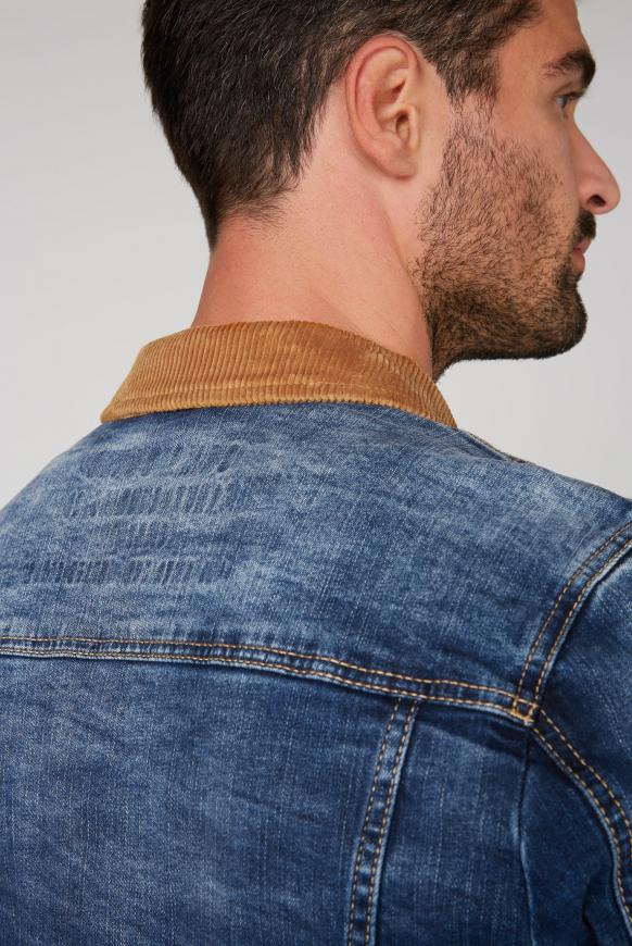 Jeansjacke mit einem Kragen aus Cord