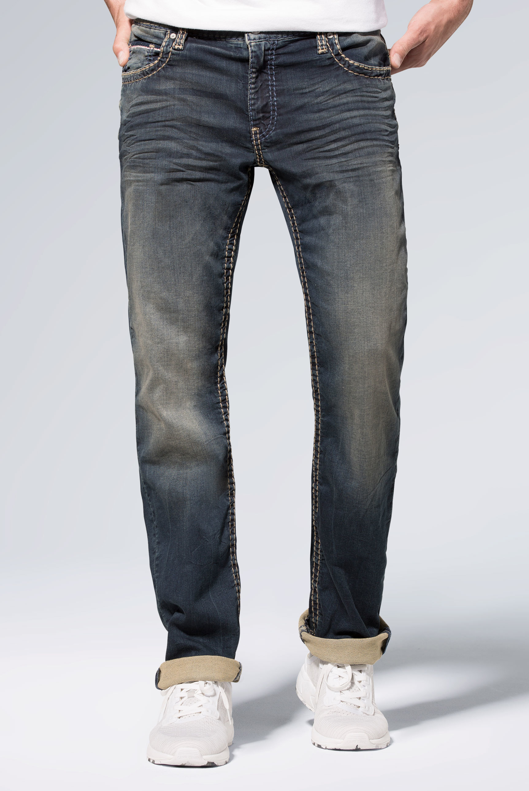 Jeans CO:NO aus Sweatmaterial im Denim Look