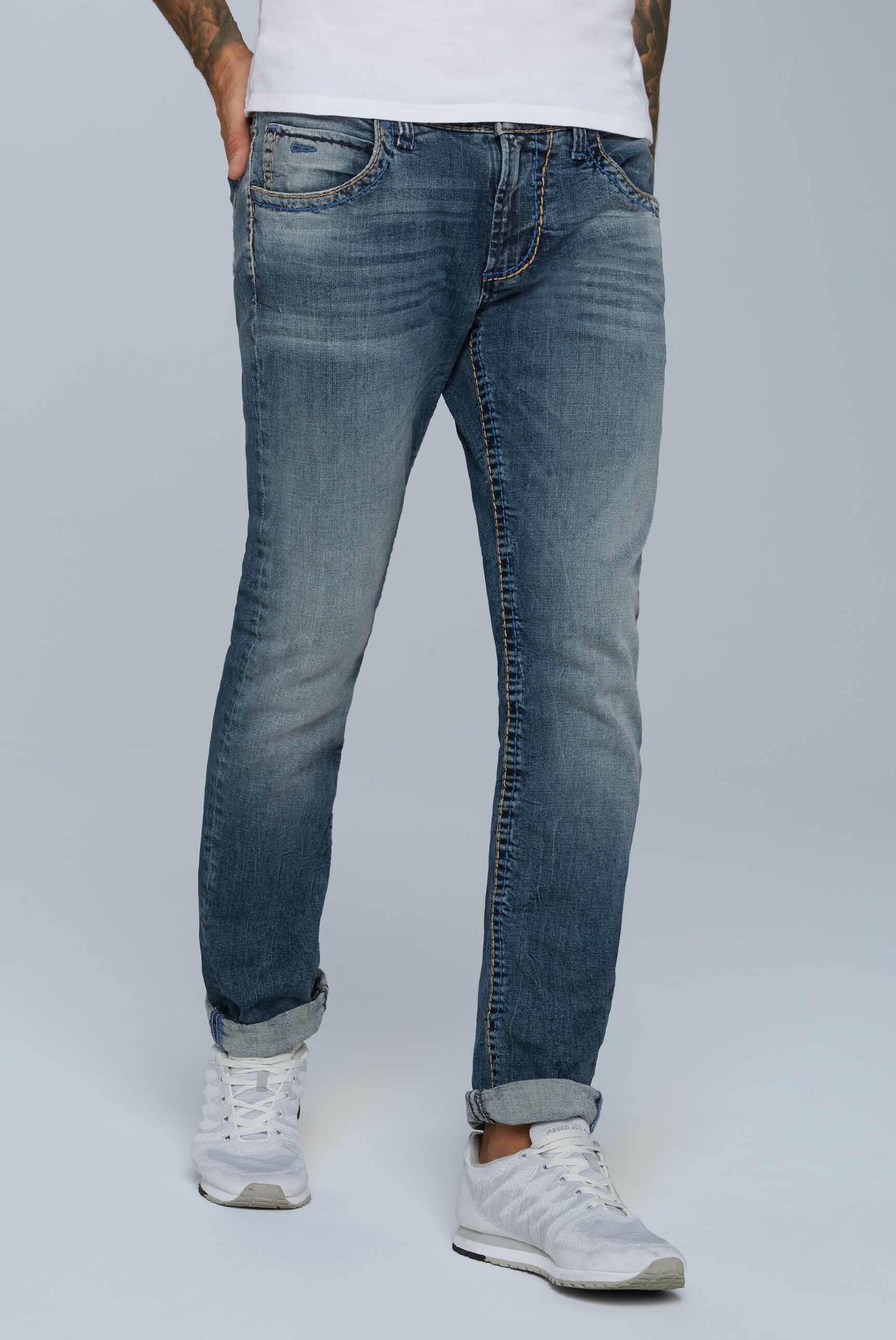 Jeans NI:CO mit farbigen Nähten