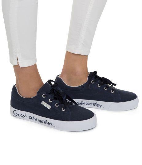 Canvas Sneaker mit leichter Plateausohle