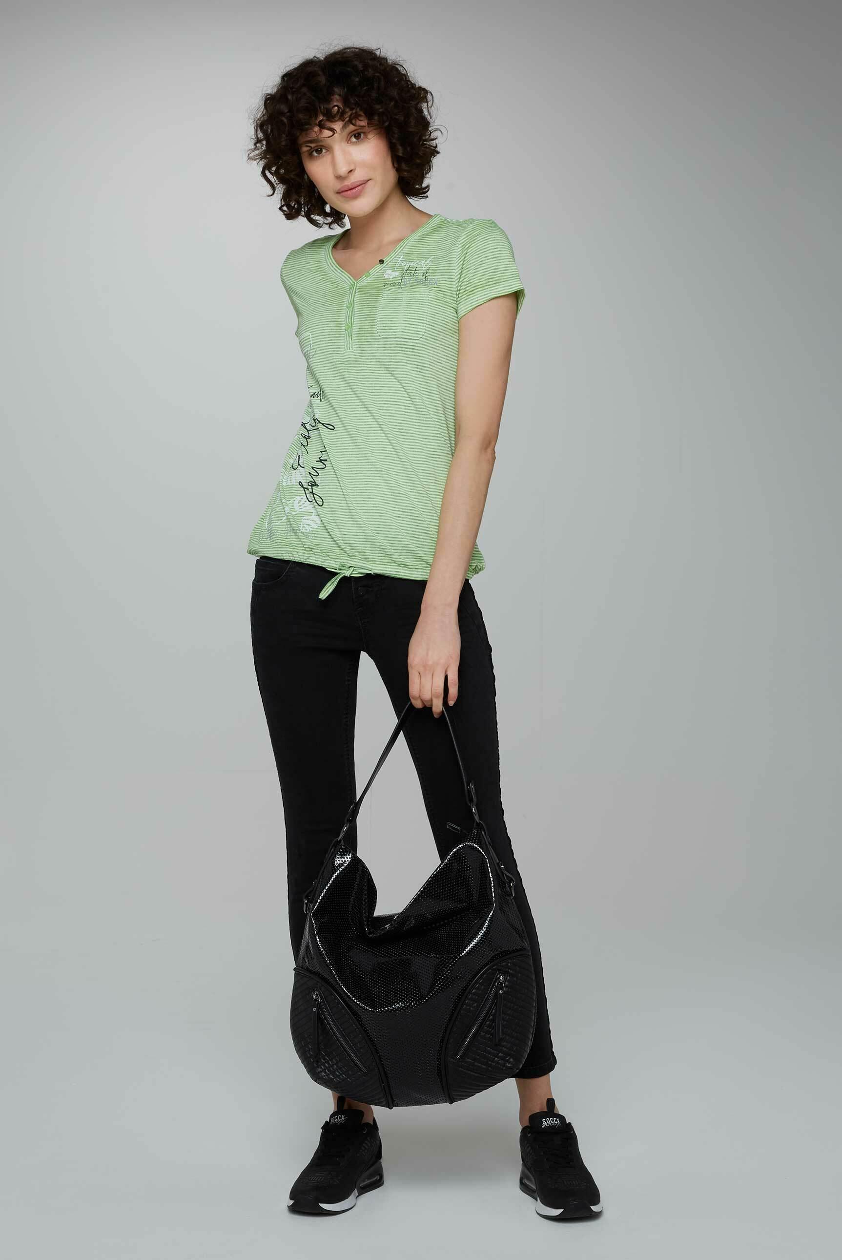 Beuteltasche aus perforiertem Kunstlackleder