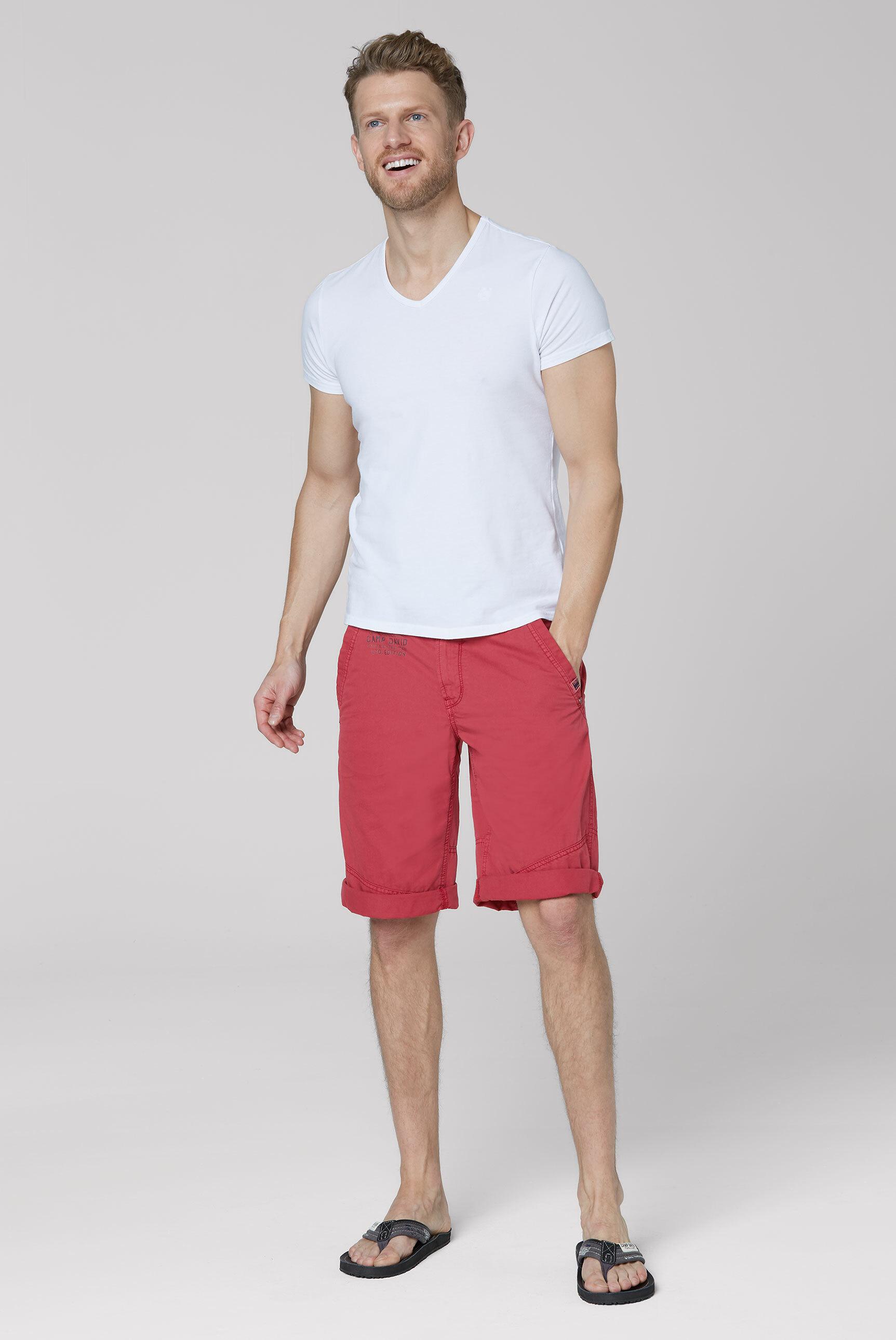 Chino Shorts mit Back Print