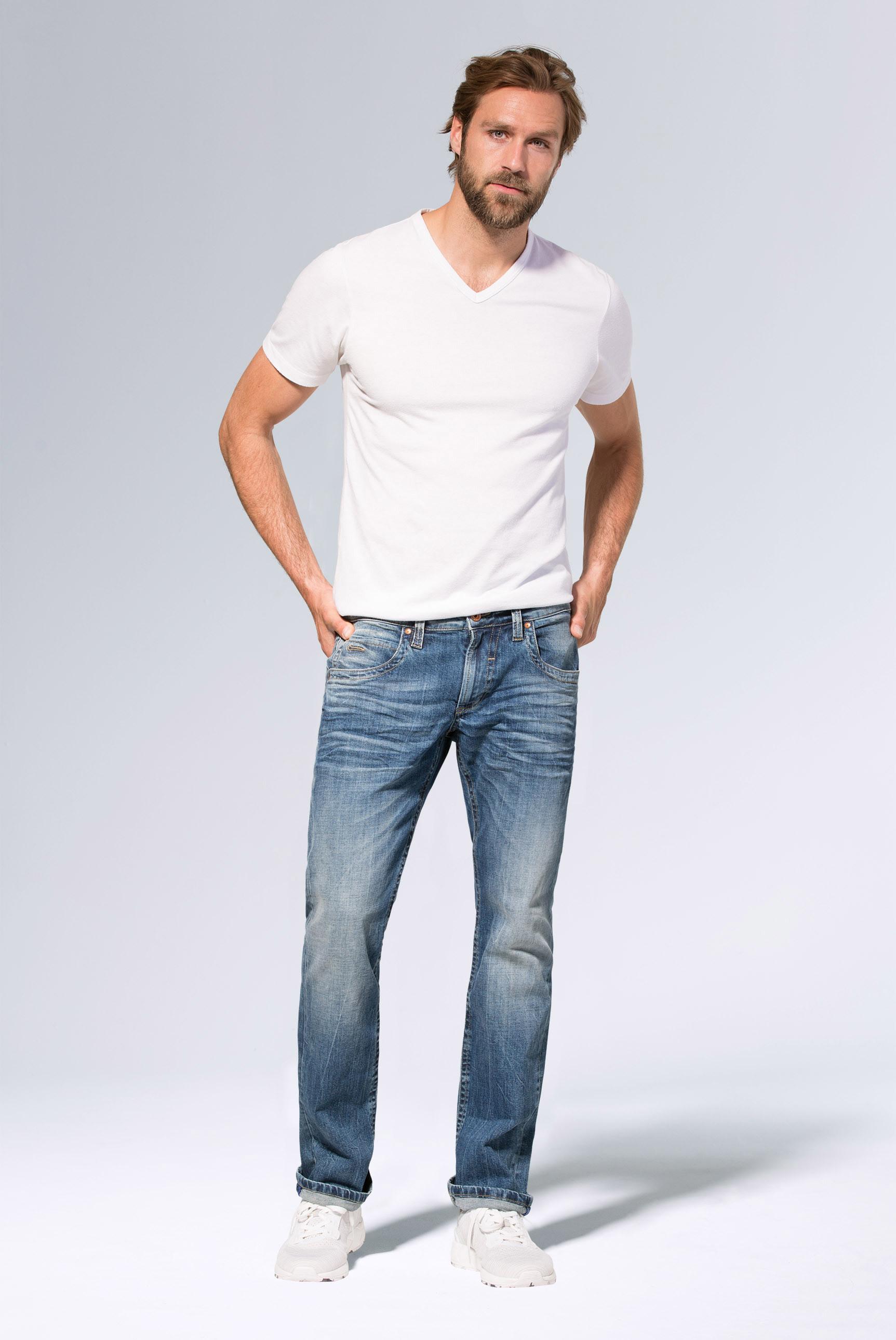 Jeans NI:CO mit Used-Optik und leichtem Boot Cut