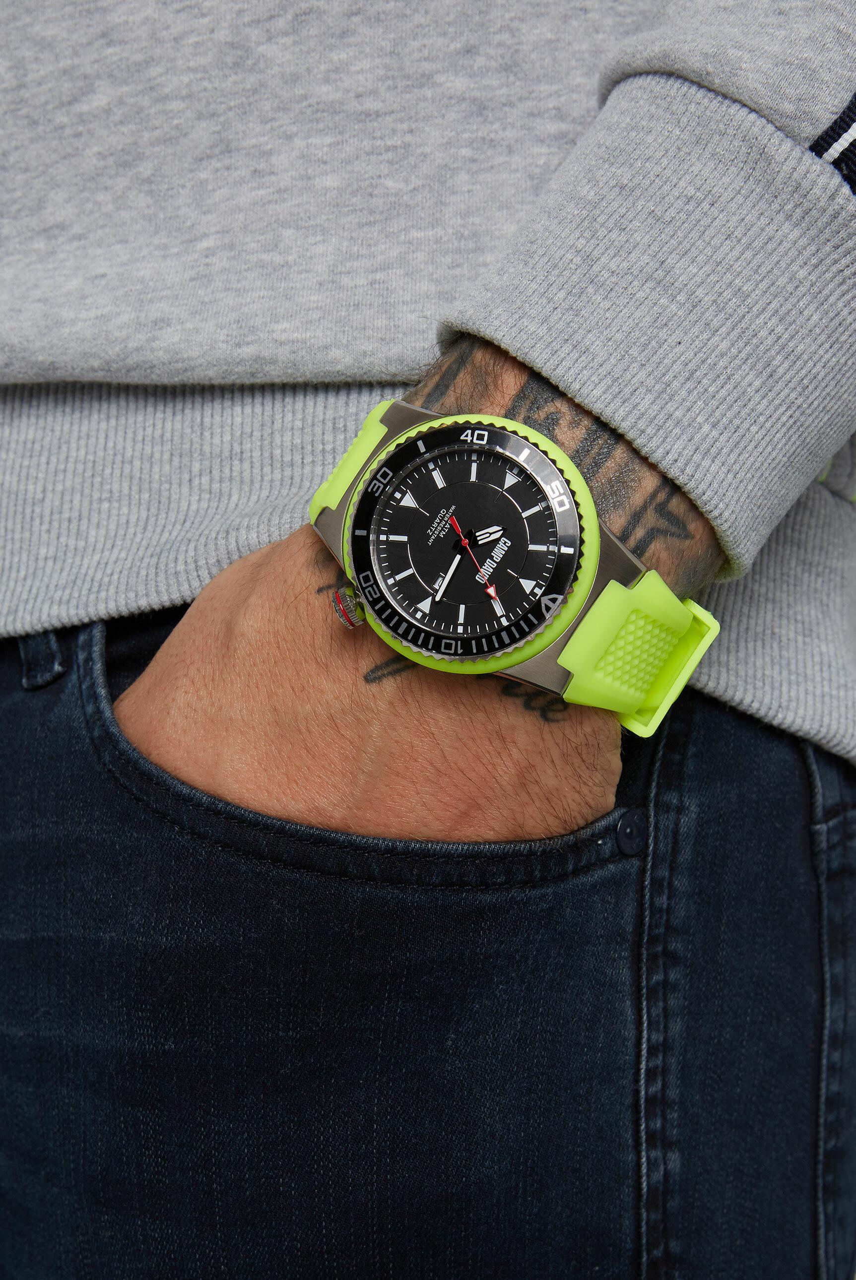 Uhr mit Tauchlünette und Silikonarmband