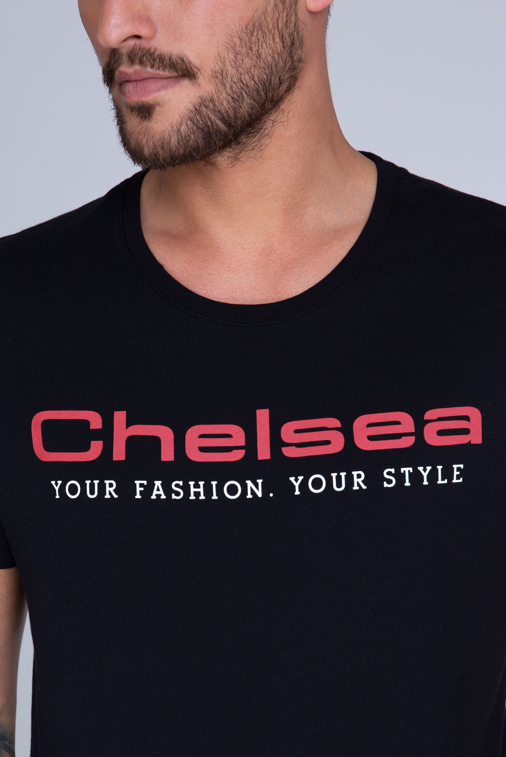 T-Shirt Rundhals mit buntem Logo Print