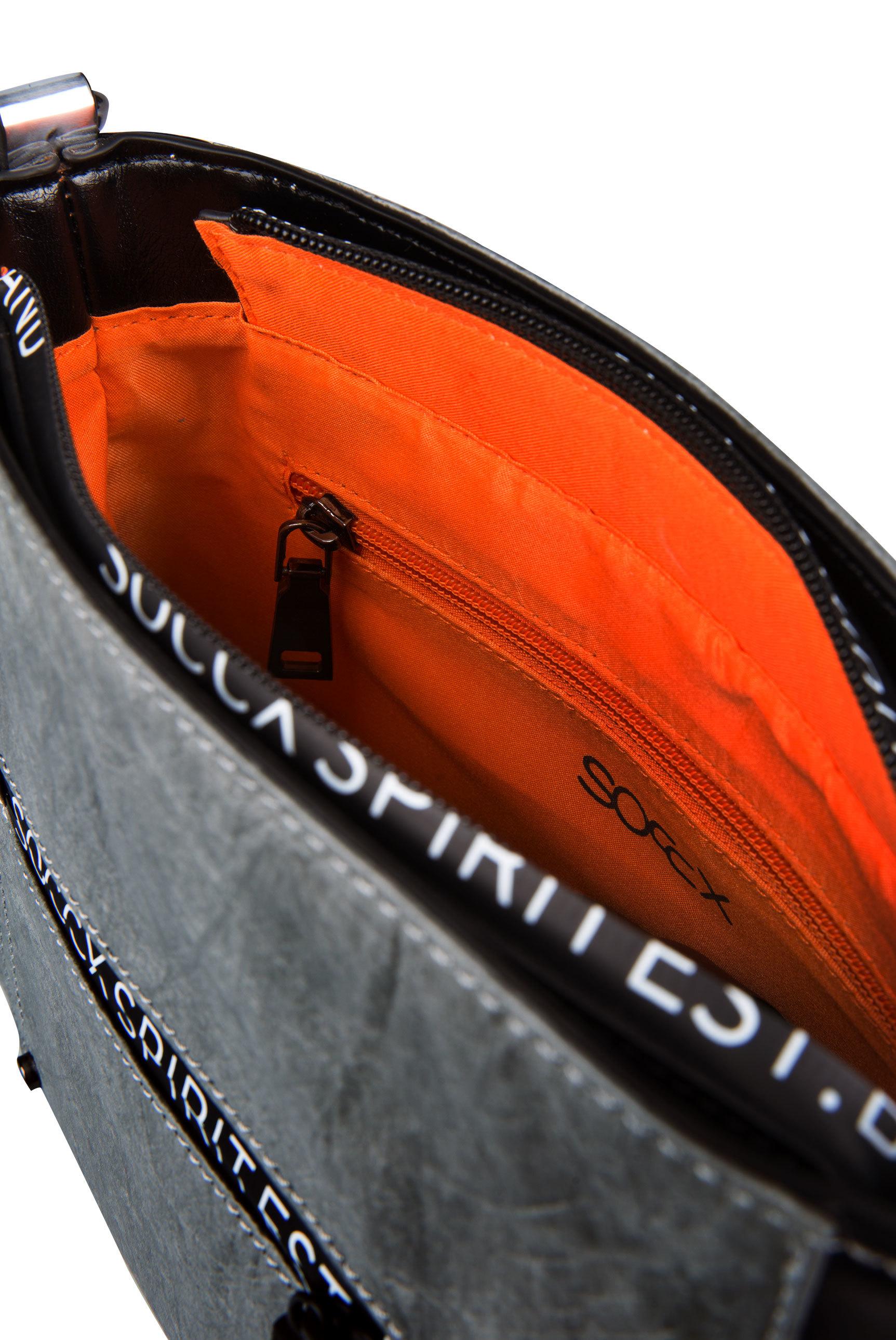 Crossbody Bag im Colour-Mix mit Logo Zippern