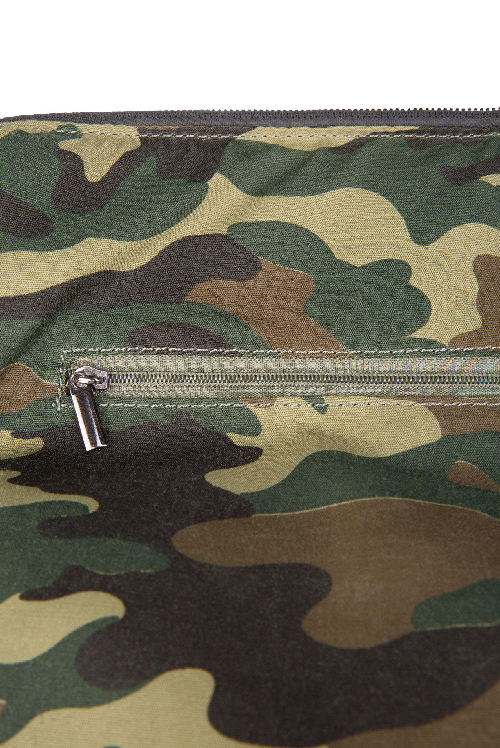 Gesteppte Bowling Bag mit Logo Tape
