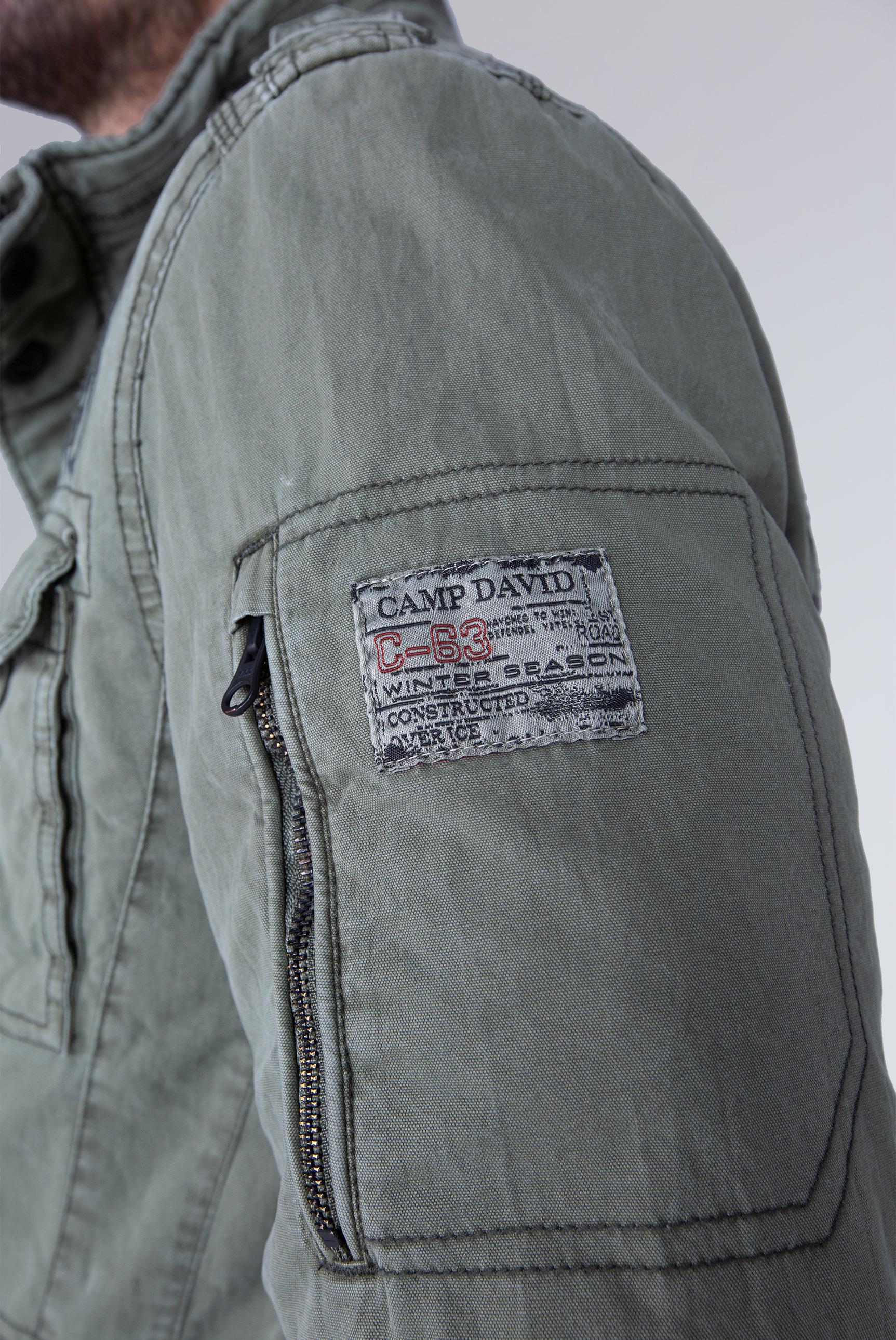 Fieldjacket mit Label-Applikationen