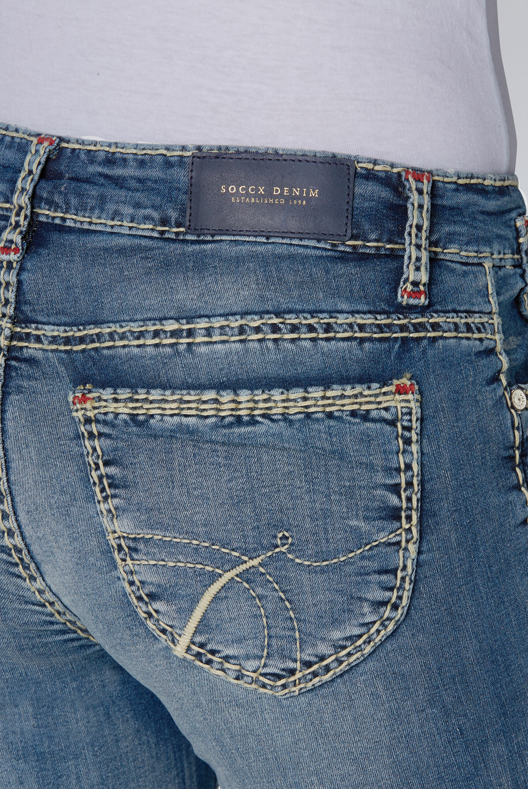 Comfort Fit Jeans CO:LE mit Used-Optik