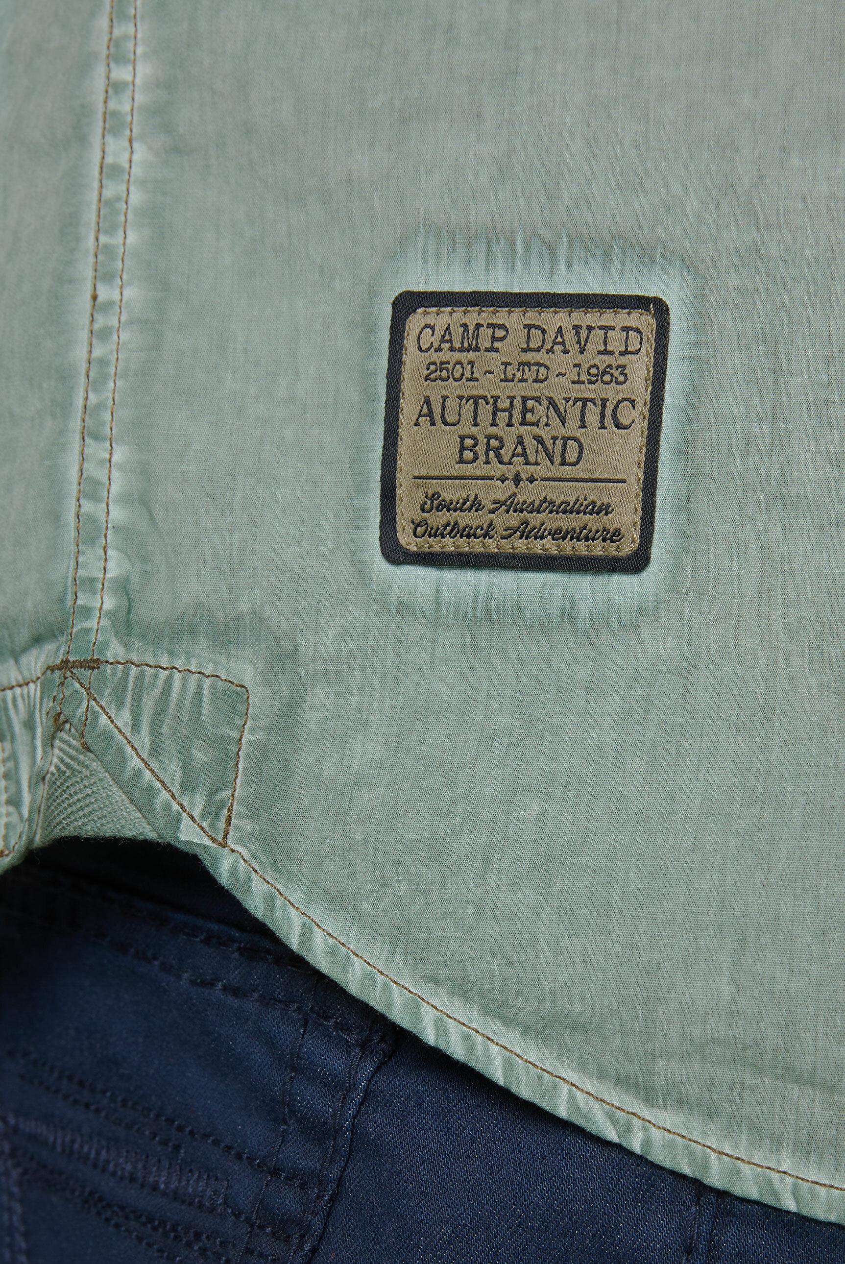 Kurzarmhemd Oil Dyed mit Artwork und Tasche