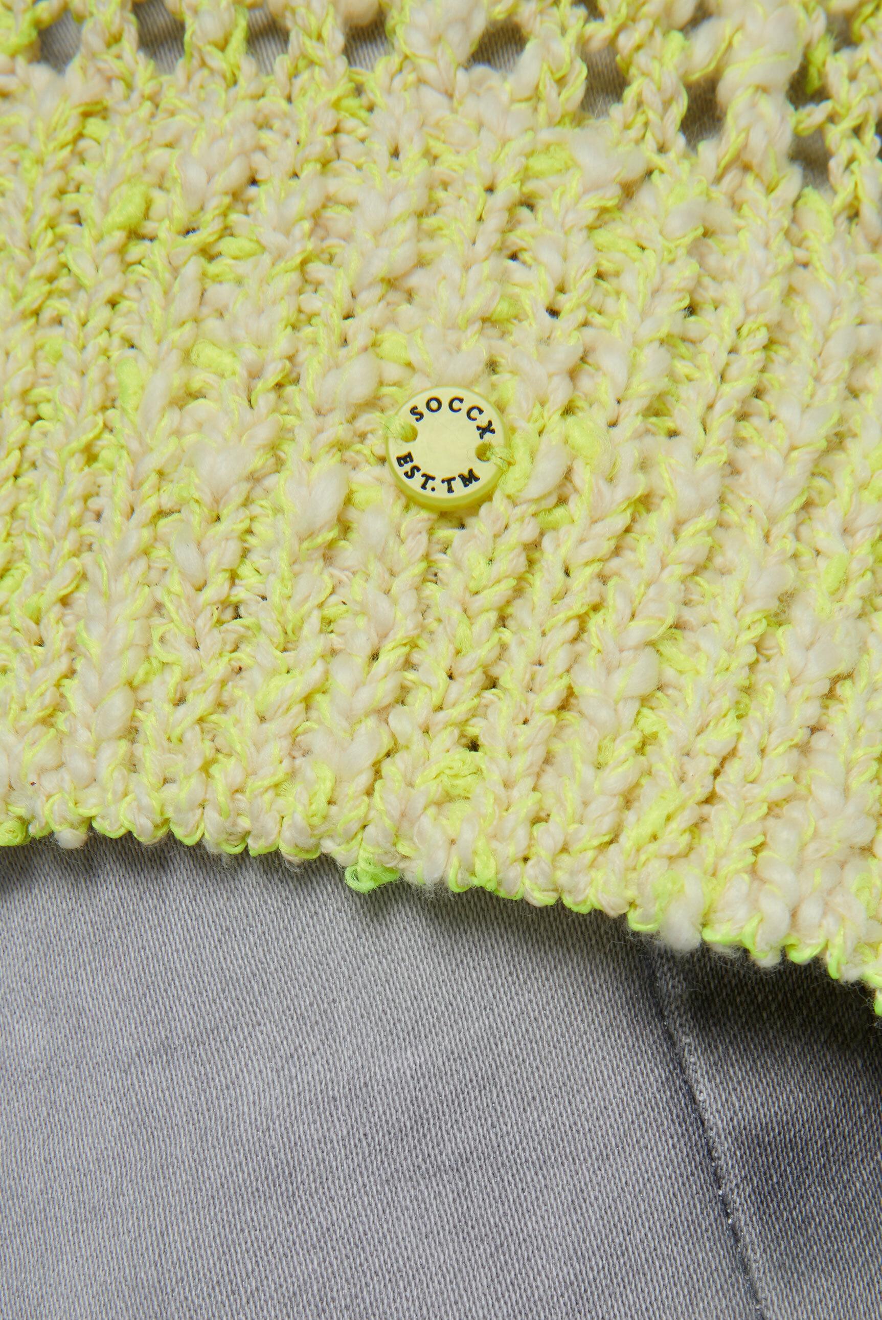 Pullover aus Effektgarn mit Lochmuster