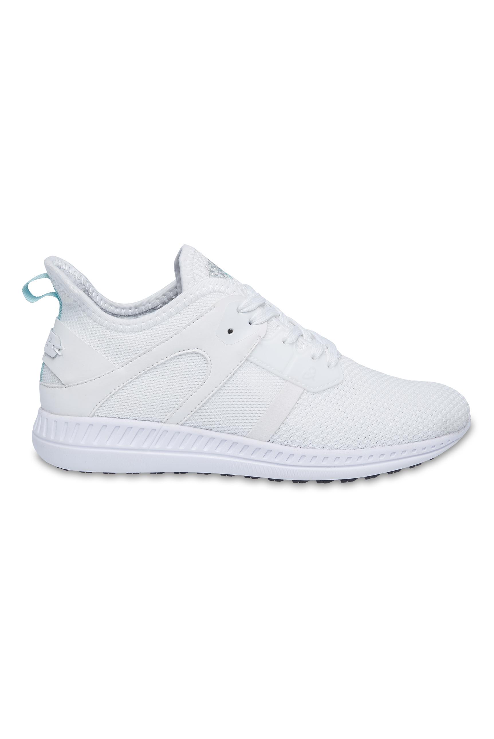 Sneaker aus Mesh